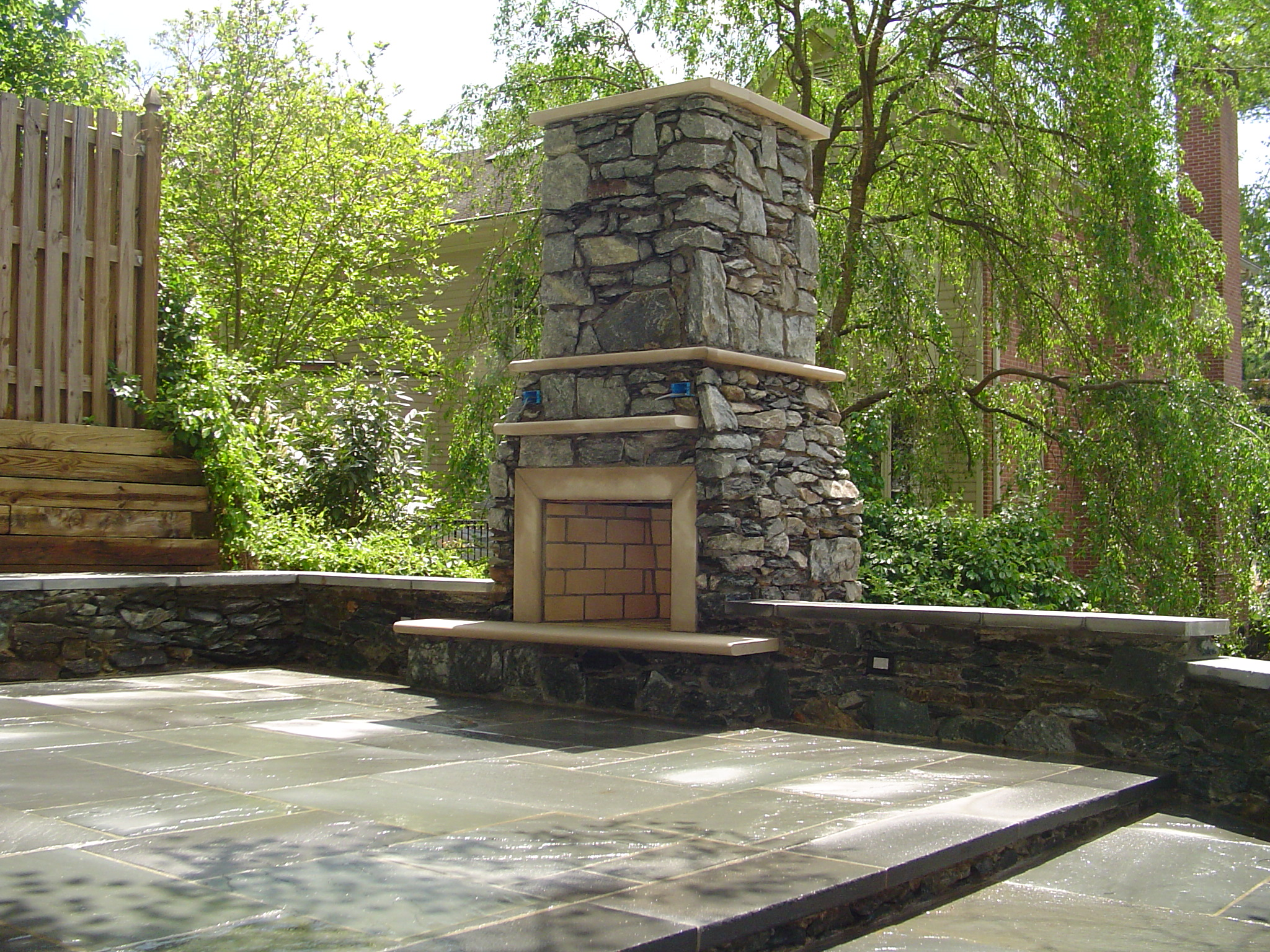 Outdoor fireplace/oven